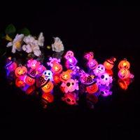 Bague de dessin animé Halloween Bague Ghost Citrouille Bat Design Doigt Anneaux de doigts LED lumineuses rougeoyante Gel doux doigt lumière jouets enfants cadeau