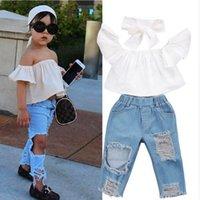 Moda trendleri yaz kızların giyim setleri küçük ve orta ölçekli çocuk tek omuz beyaz üstleri yırtık kot takım elbise