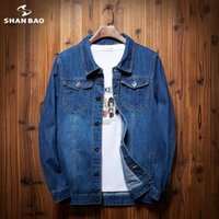 Vestes pour hommes Shan Bao PLUS Taille Veste en jean en vrac 2021 Automne / Winter Marque Vêtements Personnalité Pocket Jeunesse Mode M-8XL