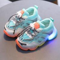 Çocuk Çocuk Bebek Kız Erkek Bling LED Işık Işık Spor Sneakers Ayakkabı Yaz Çocuk Parlayan Rahat 2021 Atletik Açık