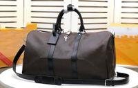 Högkvalitativa lyxiga duffelväskor bär på alla bandoullere 55 50 45 cm Kvinnor Resväska Män Klassisk rullande Softsided Väska Bagageuppsättning 88