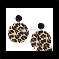 Dangle lustre Livraison 2021 Design unique vintage bois rond pendentif africain sexy sexy léopard boucles d'oreilles pour femmes bijoux en bois VA