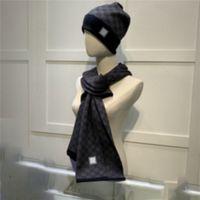 Yüksek Kaliteli Moda Tasarımları Bere Şapka Eşarp Setleri Femmes Scadroet Set Femmes Scadroet Seti Hiver Chaud Chapeauxet Foulards Chapeau de Bonnet Pour Hommes 789