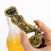 Arqueamiento de la botella de cerveza de la motocicleta de la vendimia creativa para el regalo de la fiesta de bodas Favores de los niños Baby Kids Regalos de regreso