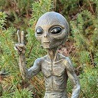 Hot Holloween Alien Statue Martians Garden Figurine Set for Home Indoor Outdoor Bedroom Living Room Christmas Decorations Decor H0910