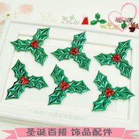 Christmas christmas Imitation small red fruit green leaves tree decoration socks hat wreath jewelry DIY manual accessories