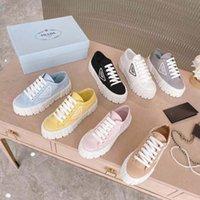 2021 Tasarımcı Kadın Naylon Rahat Ayakkabılar Gabardine Klasik Tuval Sneakers Marka Tekerlek Bayan Stilist Eğitmenler Moda Platformu Katı Heighten Boyutu 35-41