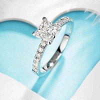 Anéis Muitos 10k Ouro Branco Sólido 1CT 5,5mm Princesa Corte Moissanite Lado De Pedra Anel de Noivado para Mulheres Presente de Casamento