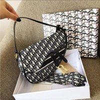 5a + جودة مصممي الفمز أكياس 2021 أزياء المرأة رسول النايلون حقائب الكتف المرأة السرج حقيبة crossbody حقيبة اليد مع صندوق