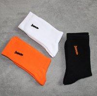 10pcs / lot 디자이너 남자 여성 면화 중간 튜브 양말 검은 오렌지 하이 스트리트 스타킹 친구 편지 인쇄 앵클 렛 양말