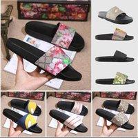 Moda Terlik Erkek Bayan Yaz Sandalet Bayanlar Çevirme Loafer'lar Siyah Beyaz Pembe Slaytlar Kapalı Plaj Chaussures Dilleri Ayakkabı Ev