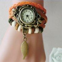 レトロクォーツブレスレット時計リーフペンダントPUレザーストラップドレスリストバングルビンテージ織りラップ腕時計女性女の子ニットウォッチ358 Y2
