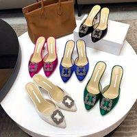 Zapatillas de diseño de lujo de moda de moda de diseño de alta calidad zapatos de diseño alto tacones altos tacones de cuero puntiagudo de cuero bombas zapatos de vestir size34-42
