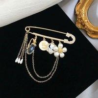 70% Rabatt auf neue Kristallblume Quaste Brosche High-End-Vielseitige Atmosphäre Luxus-Pin-Accessoires