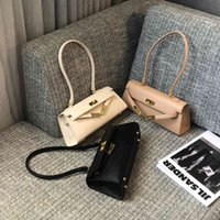 2021 New Fashion Underarm Tease Bags Real Leather Lock Luxury Designed Womens Shoulder Bag Portable Slant Span Handbags Axillary Package