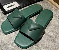 2021 Designer scarpe da pantofole Slides Sandali Luxurys Designer HeatShoes Traccia Neioprene nero e gomma Ultime Sneakers di fascia alta Pallacanestro