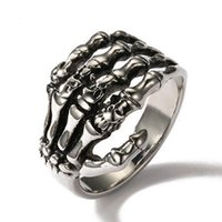 Fedi nuziali Gothic Mano Bones Shape Ring Punk Scheletro Palm Biker Club Finger Accessori Personalità Rock Party per le donne Dono maschile