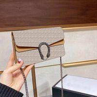 Nuova borsa Messenger Ladies Love V Wave Pattern Borse a tracolla Borsa a catena in pelle con scatola e panno a polvere