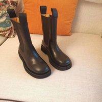 Luxurys Botas Fábricas Femininas Botas Mulheres Big Wear Out Fora Sapatos de Fora Bootsies Designer de Inverno Desifashion 42 Designer Sapatos de Porta de tamanho WKQED