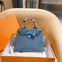 Luxurys Designers Кожаная сумка для муфты 2020 Новые Женщины Оригинальные Бренд Мода Сумки Золотая Серебряная Пряжка Сумки Кожаные Сумки