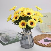 1 Bunch 7 Heads Artificial Sunflower Silk Flower Bouquet for Wedding Party Home Living Room Party Decoration Simulation Fake Flowers Shoot