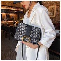 Borse di design Designer Donne Bowlbag Lussurys Designer Designer Borse a tracolla Ricamo Lettera Parola Piccolo Flap Trendy Classic Fashion Bag Borsa con scatola