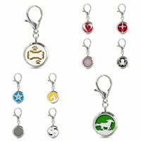 Keychains Dog Pet Bone 30mm Locket Stainless Steel Essential Oil Perfume Diffuser With Lobster Clasp Key Chain 10Pad Fit Collar