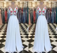 Fashion White Printed Flowers Embroidery Prom Cocktail Dresses 2022 Halter Chiffon Side Slit Deep V neck Ruched Beaded Sequins Bridesmaid Evening Formal Gowns