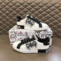 Streetwear Hommes Designer Chaussures Noir et Blanc Cool Luxury Mens de luxe Sports Casual Sports Plat Sneakers de haute qualité