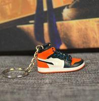 Pure Handraft Mini 3D Sneaker Stehero Sneaker Keychain Femme Hommes Kids Key Bague Cadeau Chaussures de Prestige Porte-clés Voiture Sac à main Chaîne Panier Panier