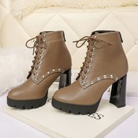 Fashion Designer boots Women Shoes Winter Bootss Ladies Girls Cowhide Leather Non-slip Womens Boot 2 color with Box