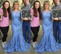 Elegante Dusty Azul Lace Sereia Mãe da Noiva Noivo Vestidos Sheer Pescoço Pescoço Volto Do Assoalho Promotor Vestidos formais Plus Size
