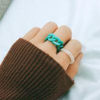 Cor resina banda anéis niche design mulheres personalidade cadeia-anel 2-peça combinação conjunto de articulação simples retrô frio vento luz luxo acrílico anel jóias presente