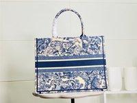 2021 اسم تخصيص أعلى جودة الكلاسيكية الملونة كتاب اليد حقيبة يد مطرزة حقيبة سفر سفر قماش التسوق