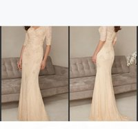 2019 New Champagne Mother of the Bride Dresses Long Elegant Beaed Sequined Pleats V-Neck Mermaid Style Half Sleeve Lace Formal Gowns 159