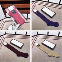 2021 Fashional Designer Women Socks con la lettera Moda Strisce calzino di alta qualità Calze unisex 1 paia con confezione regalo con scatola regalo 29 colori