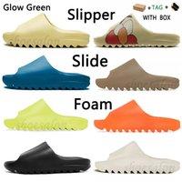 GLOW Yeşil Slayt Terlik Sandalet Kanye Graffiti Kemik Batı Rahat Beyaz Reçine Çöl Kum Kauçuk Yaz Toprak Kahverengi Düz Erkek Kadın Plaj Köpük Runner Sneakers
