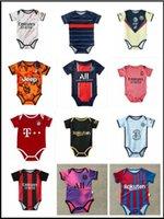 2021 2022 Real Madrid Baby Soccer Jerseys 6 a 18 meses Fútbol 143shirts Ball Kits infantil Squad Body 20 21 Ropa de rastreo Maillots Futbol
