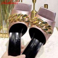Женщины Летние Сандалии Мода Manuterment Chian High Caels Насосы Натуральные Кожаные Цепи Декор Женские Обувь Повседневная Тапочки WSHE