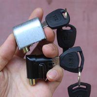 Защита кражи E0037 Motorcycle Front Lock для CG125 GS125 CG150 ZJ125 JH70 CM125 CBT125 CA250 253 рулевого управления Electric Bike Scooter E-Bike