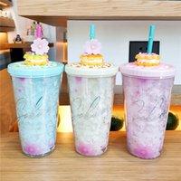 Kirschblüten-Tumbler mit Deckel und Strohhalme 15Oz-Kunststoff-Sakura-Eisbecher für das Trinken von Kaffeesaft-Milch