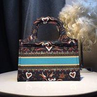 حقائب التسوق عالية الجودة الرجال السفر المرحاض الحقيبة النساء منظم التجميل المكياج كيس أدوات الزينة الكلاسيكية الشهيرة مع الغبار
