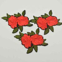 32PCS 2.1 '' صغير أحمر أخضر زهرة التصحيح المطرزة بقع الأزهار الحديد على / خياطة على زين الدانتيل فينس