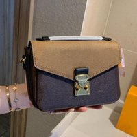 2021 Luxurys 디자이너 클래식 메신저 가방 남성 사각형 패킷 여성 화장품 totes 핸드백 숙녀 지갑 유니섹스 어깨 가방 지갑 선물