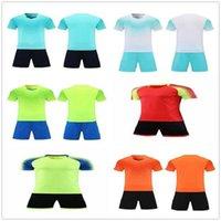 20 21 Benutzerdefinierte leere Fussball Jersey Uniform personalisierte Team-Shirts mit Shorts-gedruckten Design-Namen und Nummer 783