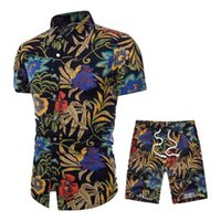 Sportsuits Tracksuit Set Tending Style Mens Roupa de Verão Respirável Curto Men's Design Camisas de moda + Shorts Casual