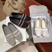 Classici Mocassini Espadrilles Lussurys Designer Shoes Sneakers Canvas e Real Lambskin Due Tone Cap Toe Moda Donna Shoe Home011 02