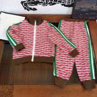 Moda Bebek Giysileri Erkek Pantolon Setleri Sonbahar Çocuk Takım Elbise Spor Büyük Kalite Luxe Merkkid Hoodie İki Parçalı Grils Boy Kısa Set Boyutu 110-160 DHL Albümü