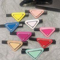 Multicolor Donne Girl Triangolo Lettera Clip per capelli Barrette Accessori per capelli Moda per Partito Gift Alta qualità