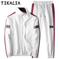 남자 Tracksuit 사이드 스트라이프 캐주얼 봄 가을 조깅 2 피스 세트 러닝 슈트 스포츠 착용 가벼운 운동복 새로운
